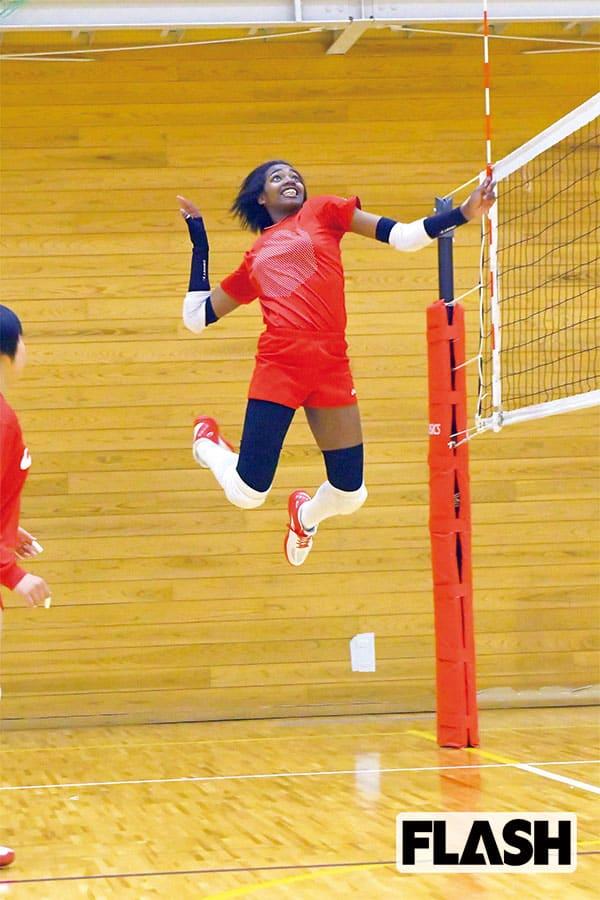 高校バレー、キューバ人女子留学生の「MAX320cmジャンプ」