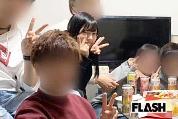 「豆柴の大群」ナオ・オブ・ナオの「未成年飲酒」写真