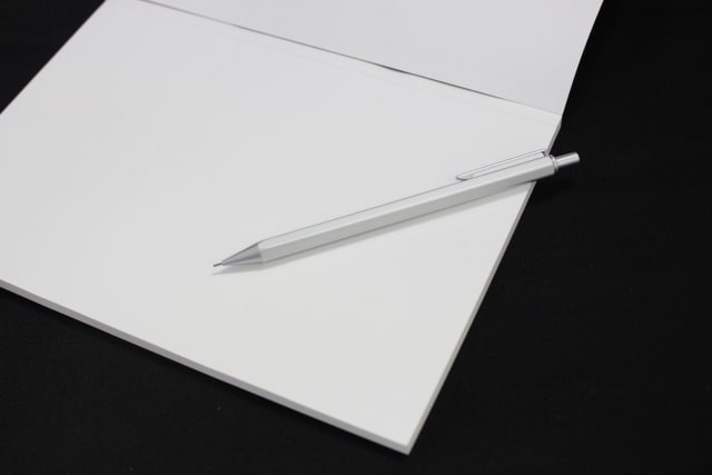 文章を書くときに意識したい「紙は黒地に白」「webは白地に黒」
