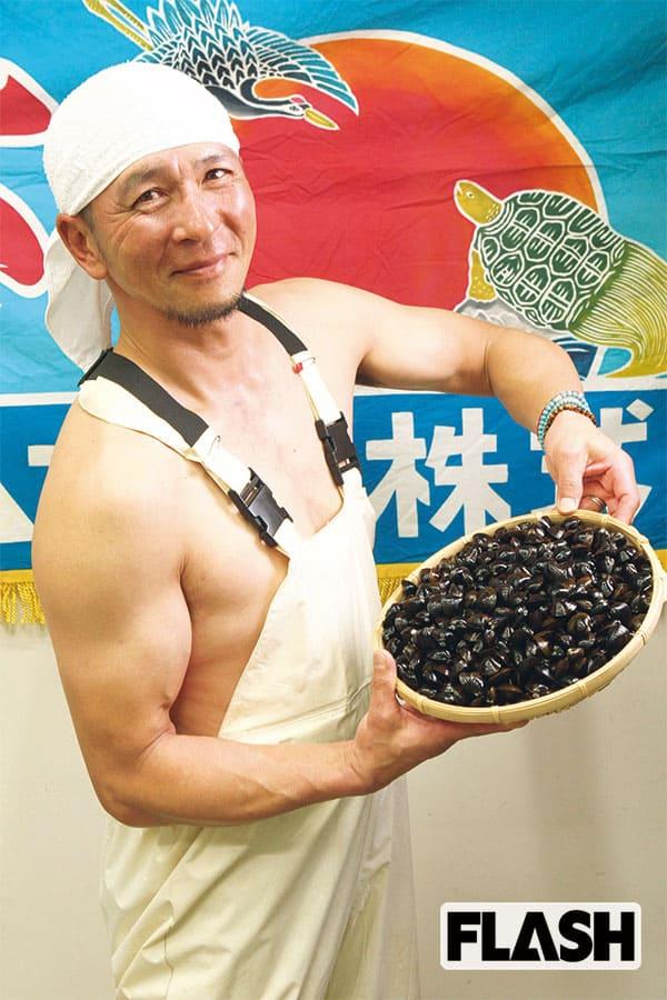 グラドル顔負け…手作りの「漁師トレカ」が爆誕!