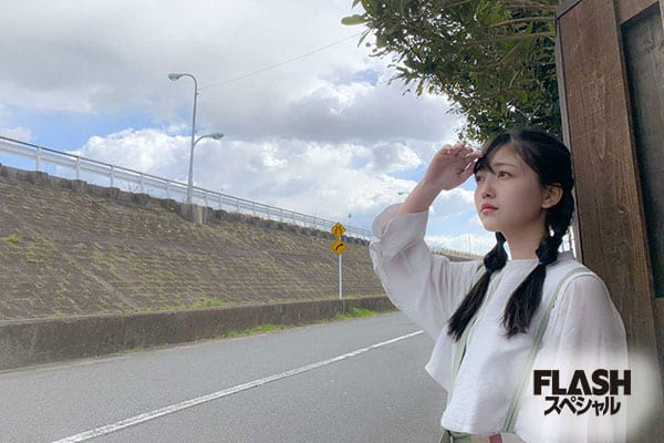 乃木坂46 3期生 久保史緒里【オフショット】FLASHスペシャル グラビアBEST 2020年早春号