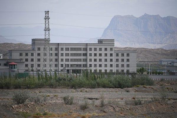 辛坊治郎「中国がやってるヤバいこと」ウイグル人は強制収容…