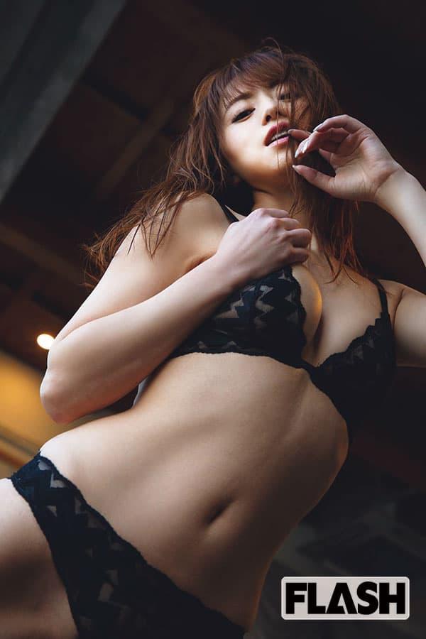 吉沢明歩が告白「私のAV16年史」秘蔵ノートに綴られた思い