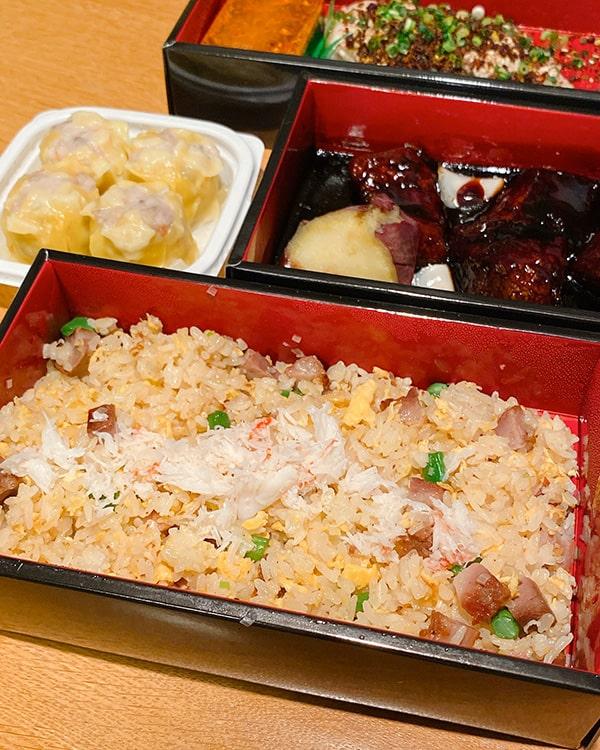 フォーリンデブはっしーの「極上テイクアウト」東京・新富町のフカヒレ弁当