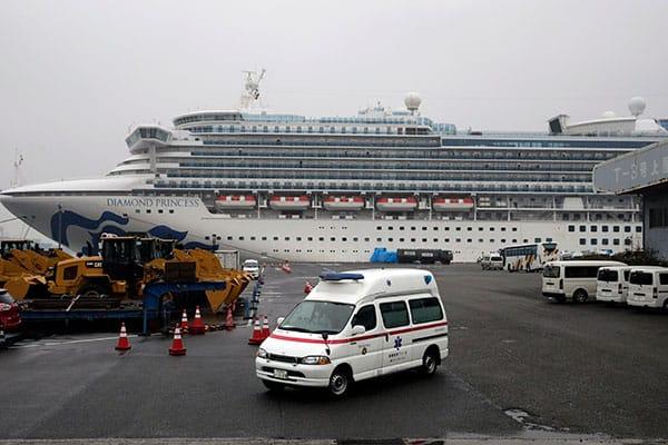 コロナ感染船で何が起きていたのか、厚労副大臣が明かす最前線