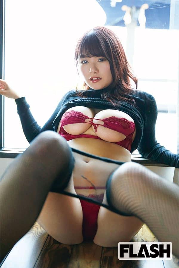 桜井木穂のバストは「ガリガリから、まさかの大変身型」100cm・Iカップ