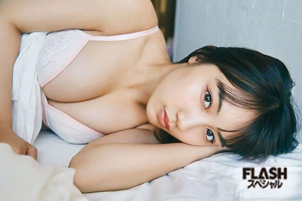黒木ひかり 奥様は高校5年生…!? FLASHスペシャルグラビアBEST 2020年初夏号