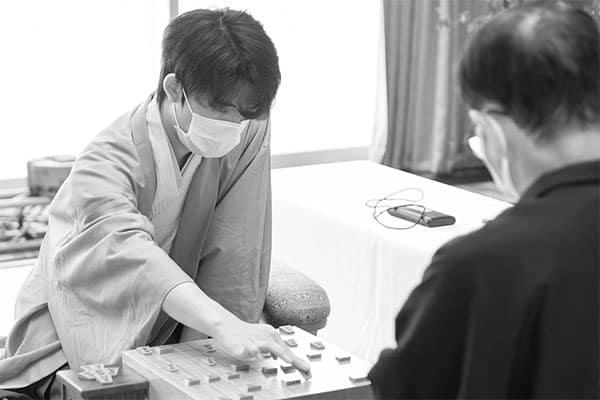 藤井聡太七段に屋敷九段が忠告「タイトルを獲った後が地獄」