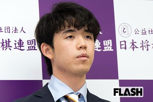 藤井聡太「棋聖」タイトル獲得に賛辞集まる「天高く翔ける龍に…」