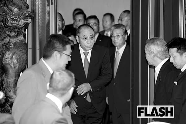 2016年6月、定例会での井上邦雄組長ら神戸山口組の幹部