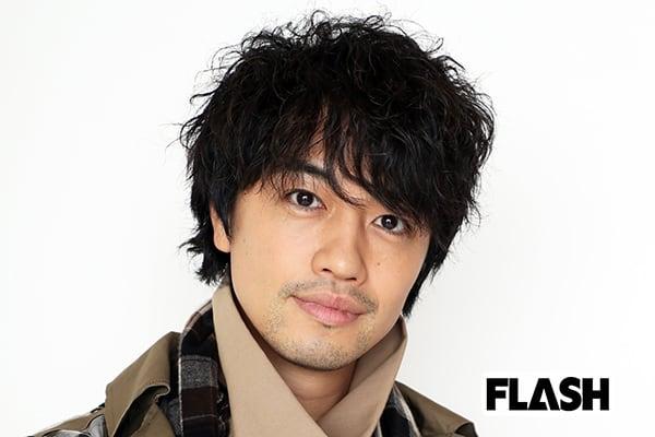 斎藤工、菅田将暉になりすました過去を謝罪「仮面ライダーで…」
