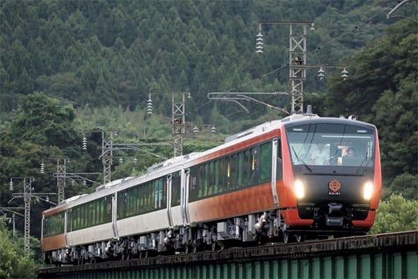 ご当地メシが旨い「最旬!観光列車」海里/JR東日本