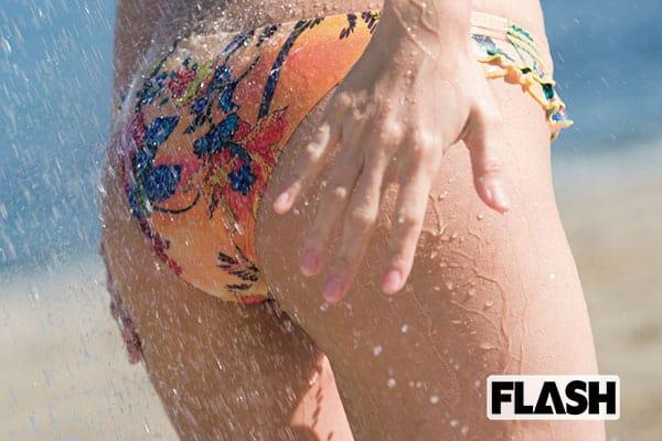 FLASH1542号「ここは、ヌーディストビーチ」