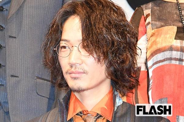 菅田将暉のアー写を撮影した綾野剛が「今世紀で一番びっくり」