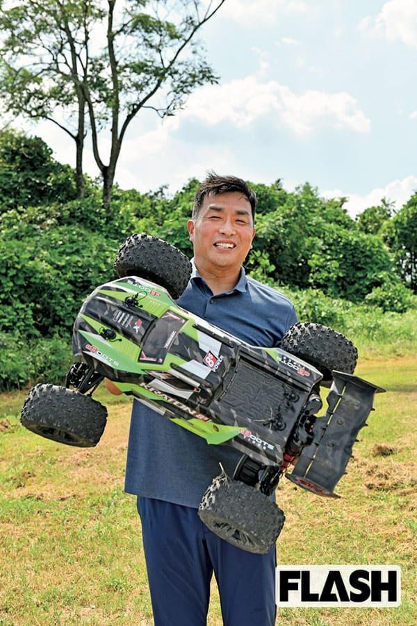 山本昌、世界最速ラジコンに「こりゃ、ラジコン界の金本知憲や」