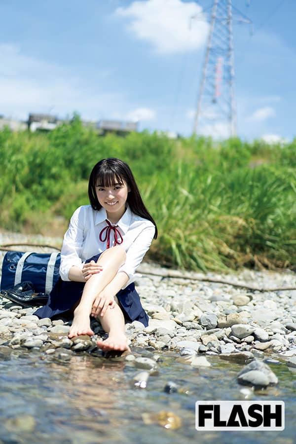 桜田愛音「最後の制服、だってよ。」