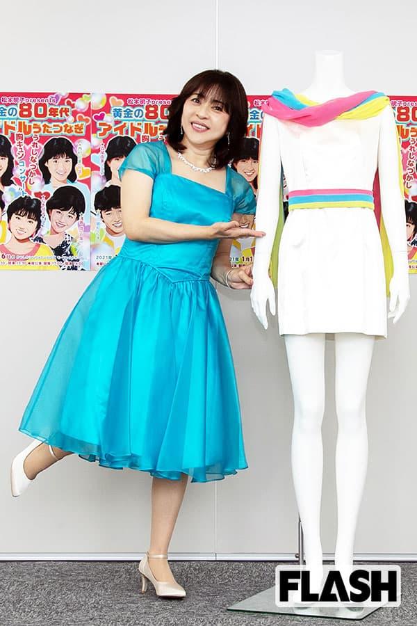 松本明子、デビュー37年で初コンサート「フリフリ衣装は自前です!」