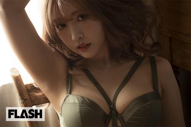 国民的セクシー女優が究極のおしゃかわグラビアを追求!FLASHデジタル写真集R発売!