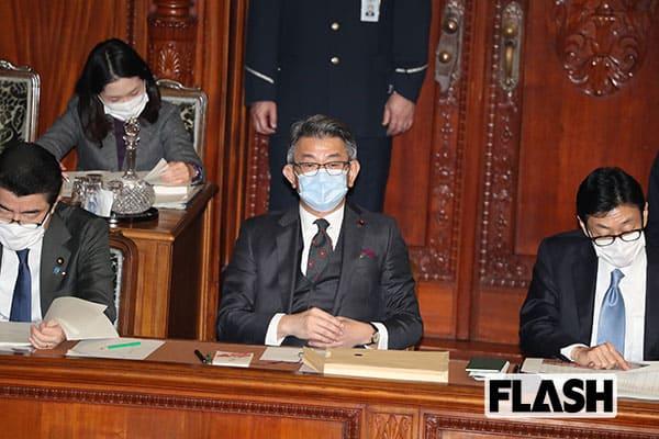 「au新プランはわかりにくい」発言の武田総務相に「無能」と批判が集まるワケ
