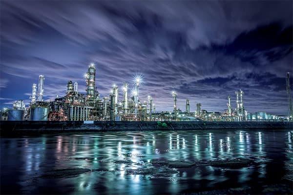 日本のエモい「工場夜景」全国から選りすぐった15選