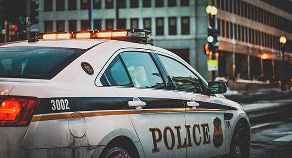 1日3回「逮捕」された男…懲りない行為にSNSで「正気かよ」の声