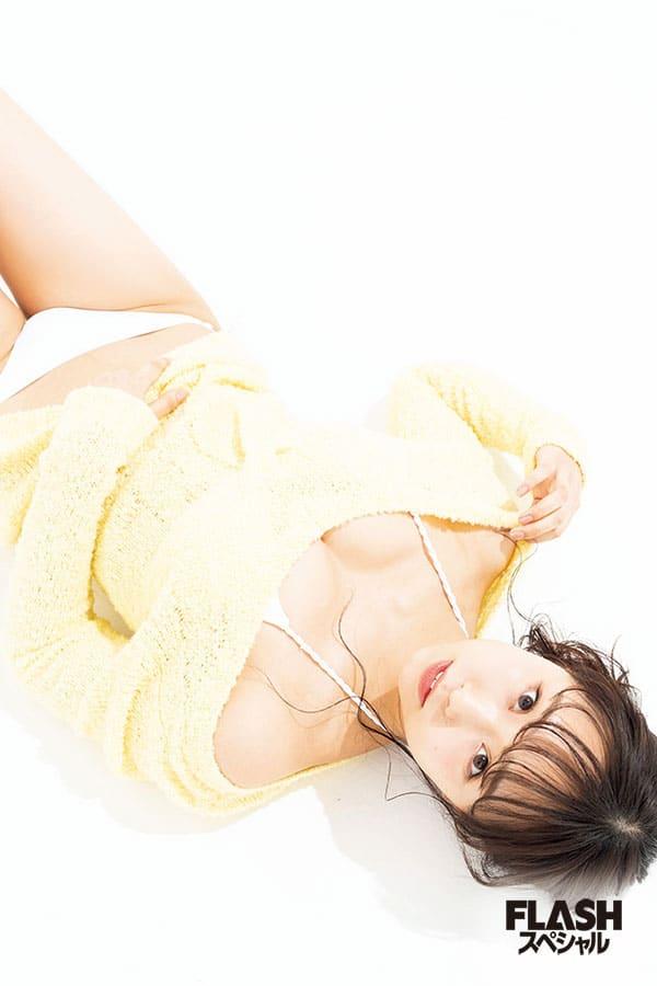 秘蔵の水着カットにドキドキ♪ NMB48を代表するグラビアトップ12人が集結!【きゅんmart】