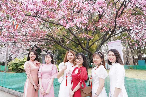 女子アナ横井弘海の「エンタメ時間」満開!桜づくしの上野で花見を