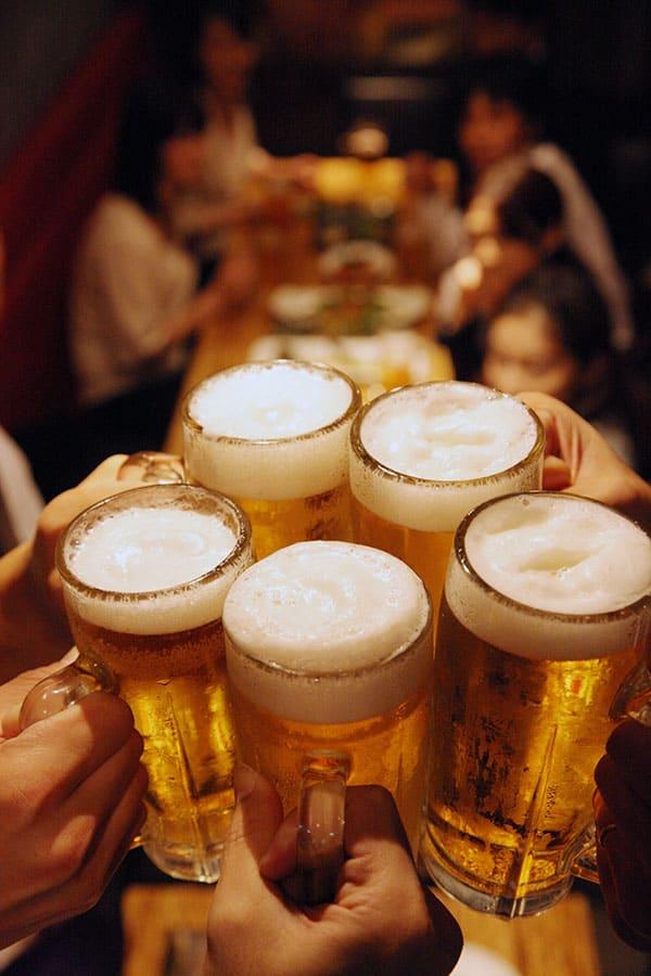 """「ビールで痛風になる」は嘘だった! 生活習慣にまつわる""""健康迷信""""を東大卒医師が解説"""