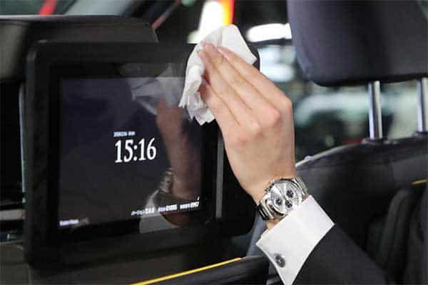 広瀬アリスに役所広司も出演…タクシー社内CMでよく見る「人事システム企業」コロナ禍でも右肩上がりの秘密は?