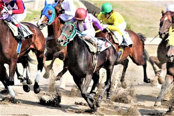 【4月16日の話】ウインズ後楽園が誕生…競馬ファンに愛される黄色いビルのパワーとは