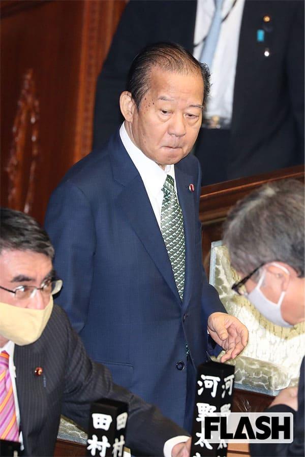 """自民・二階幹事長、ノーマスクで本会議へ…「自分だけはかからない」感染防止に""""やる気ゼロ"""""""
