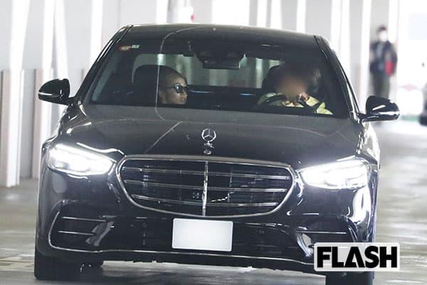 4月12日、4泊5日の福岡旅行をともにした知人らとは羽田空港の駐車場で別れ、今井はZ氏の運転する車で帰宅