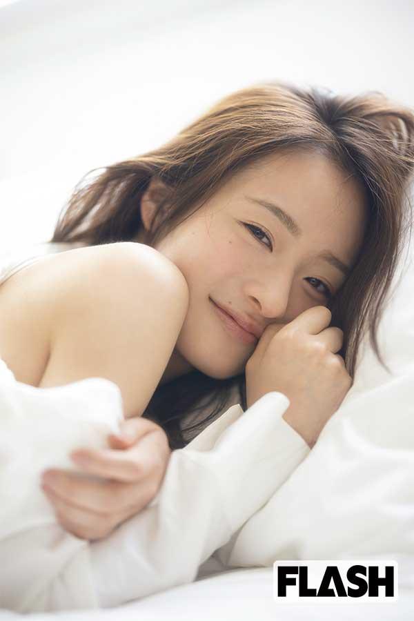 """大学ミスコンの頂点「MISS OF MISS 2021」グランプリに輝いた """"日本一美しい女子大生"""" 神谷明采"""