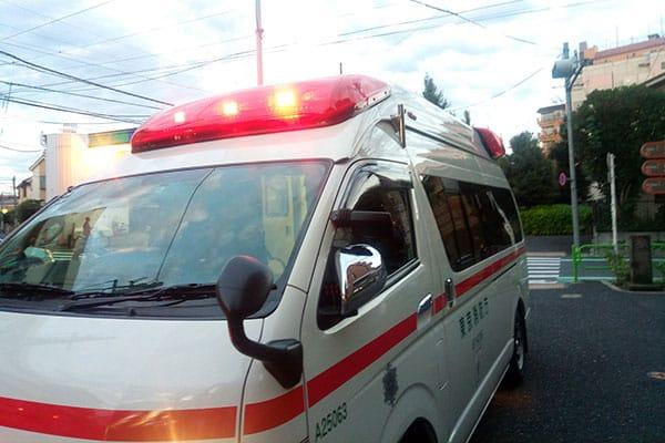 救急医療が切り捨てられる!病院経営者が「救急ベッド3割減」を警告