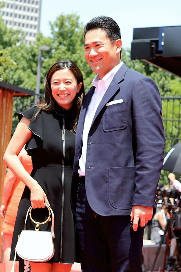 里田まい&田中将大夫妻 「本拠地・仙台に家族全員で暮らすのかが注目されましたが、子供の教育環境のために里田さんは東京暮らしを選びました。ラブラブなので夫の単身赴任も乗り越えられるはず」(芸能記者)