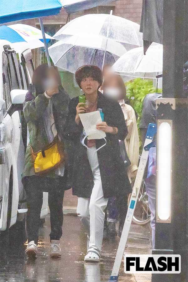 上野樹里「現場の評判もうなぎ上り」土砂降り現場で見せた笑顔