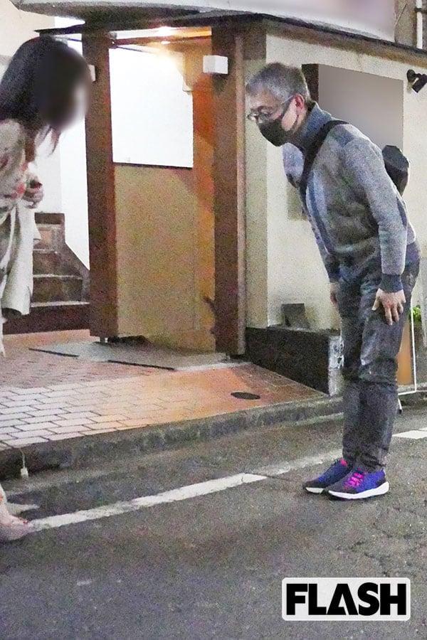"""松尾貴史 緊急事態宣言下の繁華街で美女と""""Facebookオフ会""""【上半期ベストスクープ】"""