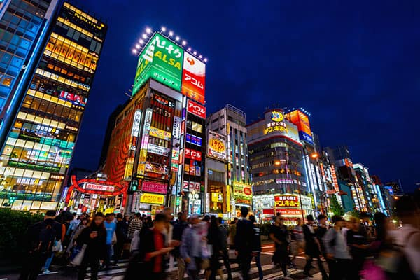 芸能人&ホスト御用達!? 歌舞伎町近くにそびえたつ「高級タワマン」