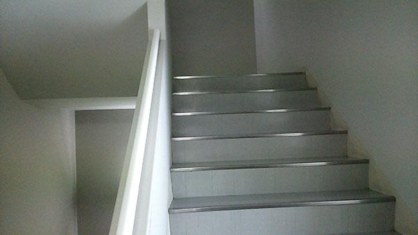 【頭の体操】停電になったビルで階段を使う