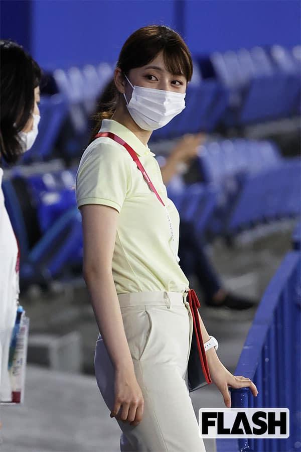 大学時代は体育会女子バレーボール部に所属していた佐藤梨那アナ。この日は競泳の会場を訪れたが、自身は平泳ぎもできないカナヅチだという(写真・JMPA)