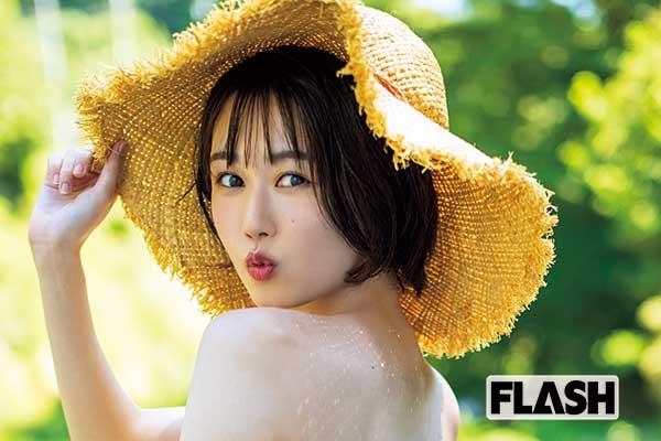 サンダルテレフォン・小町まい、スレンダー水着を披露「好きなアイドルは根本凪さん!」