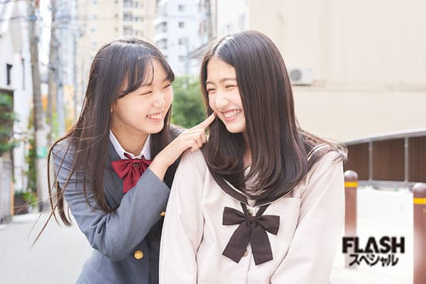 NMB48 泉綾乃、塩月希依音【オフショット】FLASHスペシャルグラビア2021年新年号
